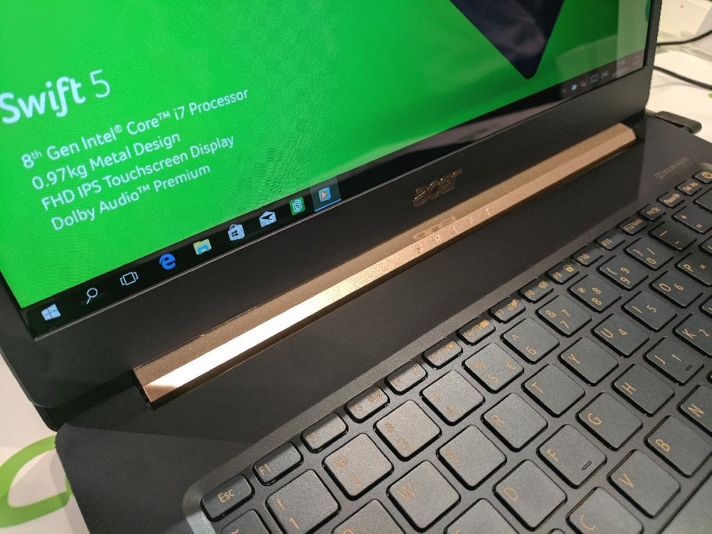 More laptop makers are pushing the limits of design and performance, but high-resolution panels are hurting their batteries.