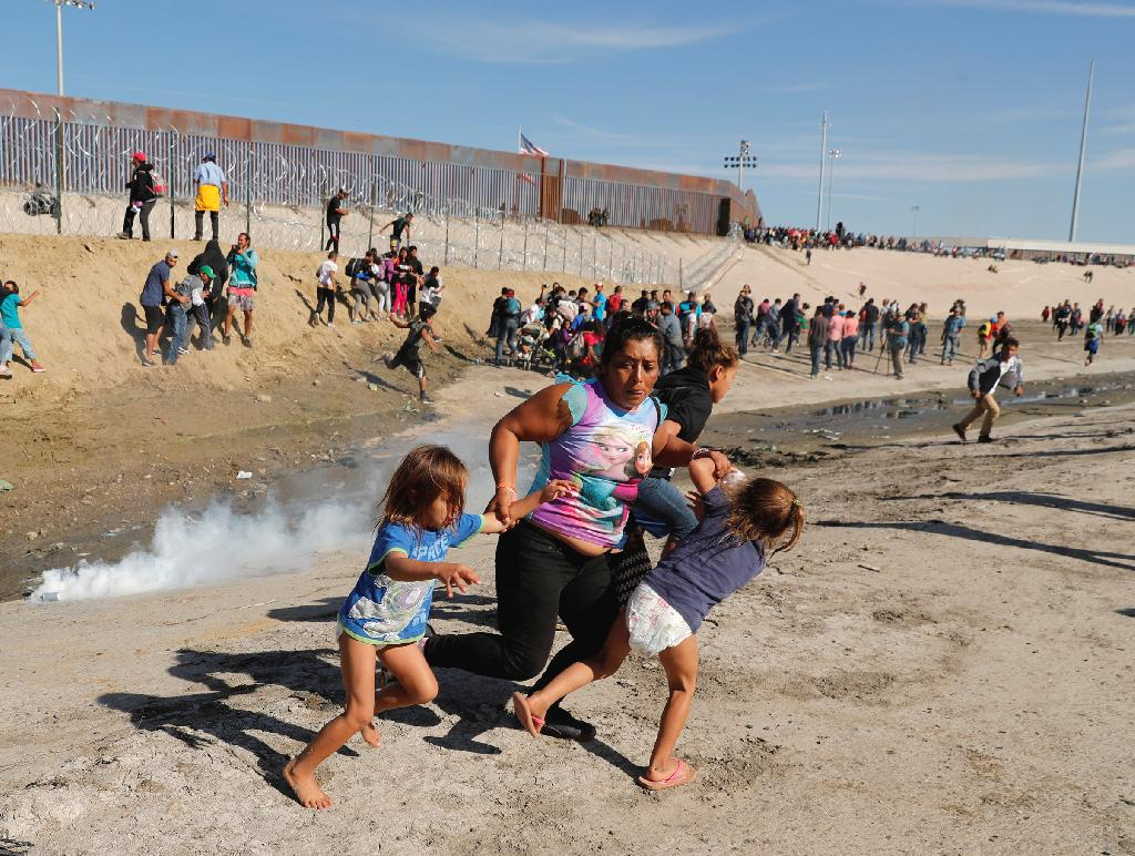 Kim Kyung-Hoon talks to TIME about photographing a gripping image from the U.S.-Mexico border