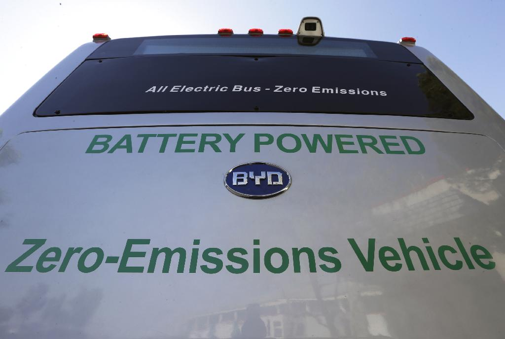SACRAMENTO, Calif. (AP) — California moved Friday to eliminate climate-changing fossil fuels from its fleet of 12,000 transit buses, enacting a first-in-the-nation mandate that will vastly increase the number of electric buses on the road.