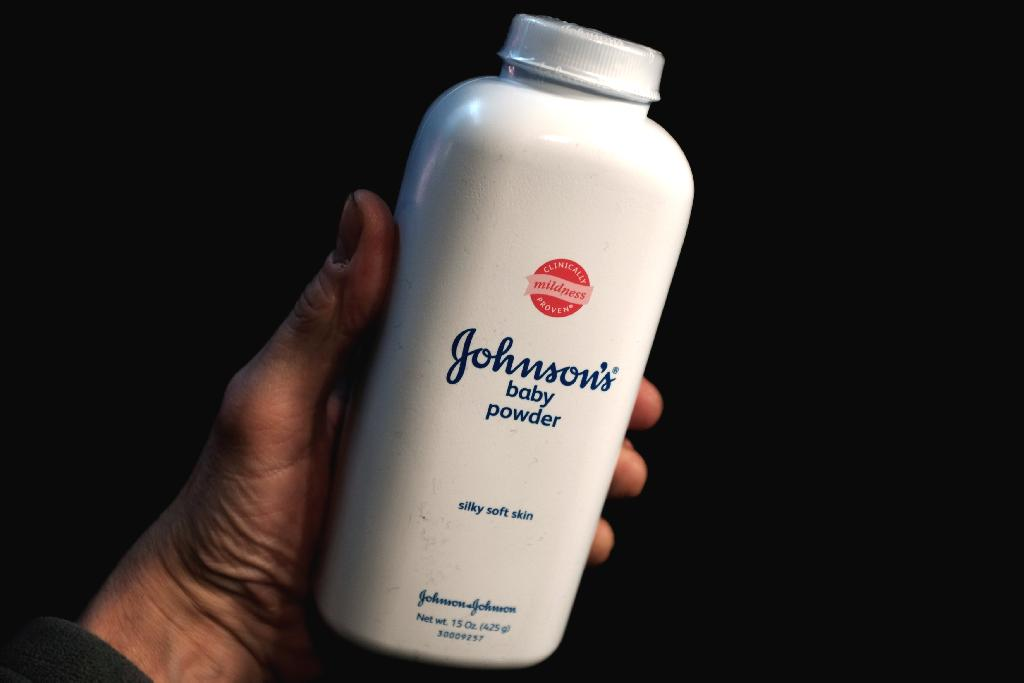 """How had she been exposed to asbestos?  Hobson knew that talc and asbestos often occurred together in the earth, and that mined talc could be contaminated with the carcinogen.  Coker sued Johnson & Johnson, alleging that """"poisonous talc"""" in the company's beloved product was her killer."""
