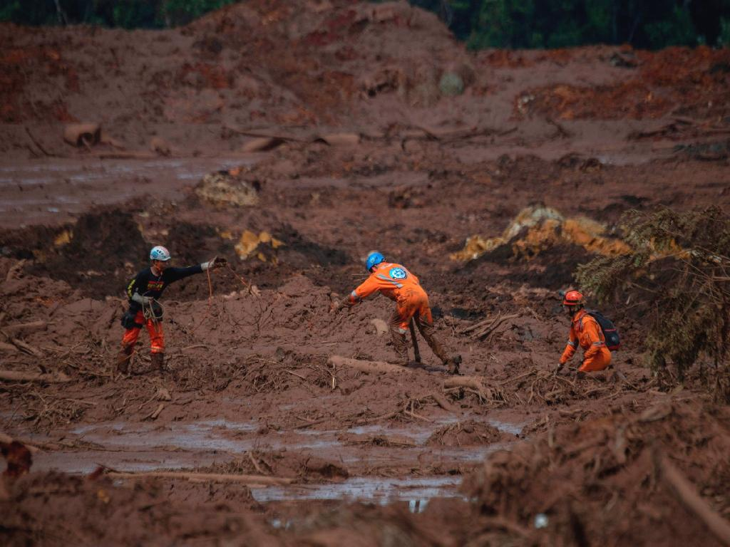 Firefighters in Brazil have resumed their search for hundreds of people missing in the wake of a massive dam collapse.  The dam burst at Vale's Corrego do Feijao mine in southeastern Brazil unleashed a torrent of mud on Friday, burying the mining facilities and nearby homes in the town of Brumadinho.  Nearly 300 people are still missing, with the list of those unaccounted for being constantly updated, Flavio Godinho, a spokesman for the Minas Gerais civil defense agency, said.