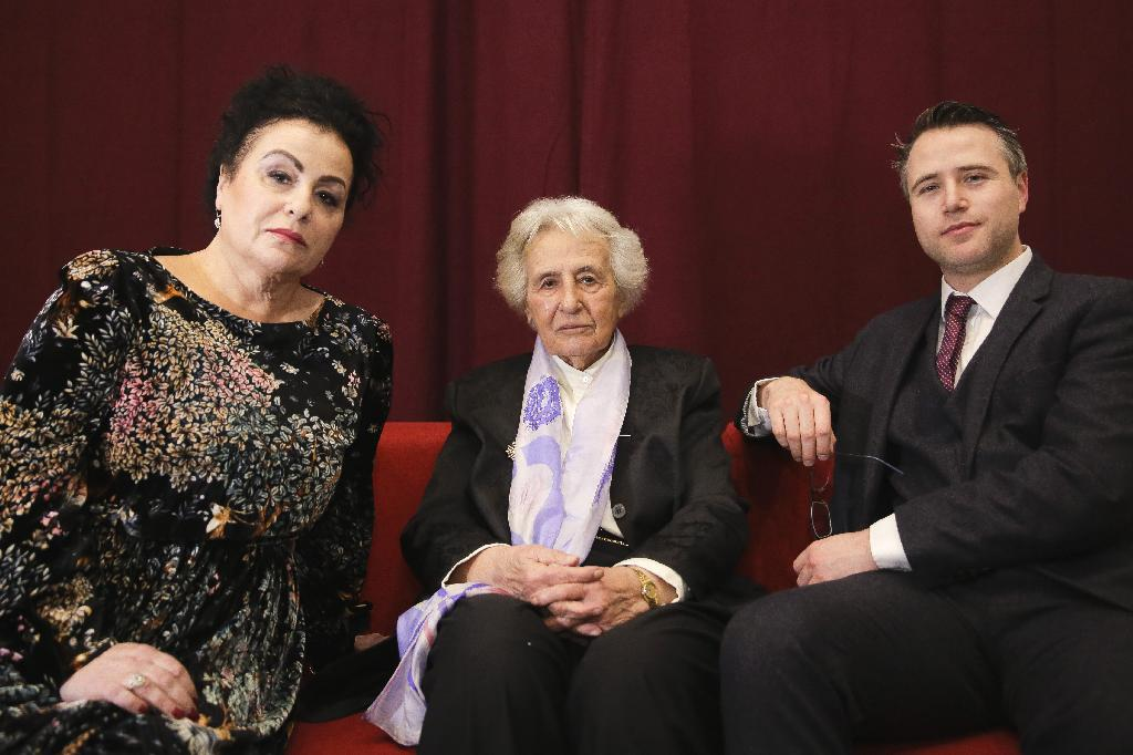 BERLIN (AP) — Simon Wallfisch grew up in London as the grandson of an Auschwitz survivor who had sworn to never return to the country that murdered her parents and 6 million other Jews.