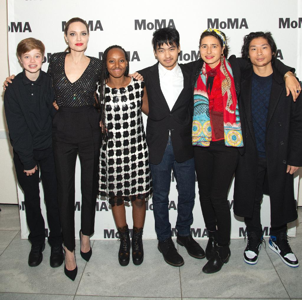 Angelina Jolie Takes 4 of Her Kids to NYC Film Premiere