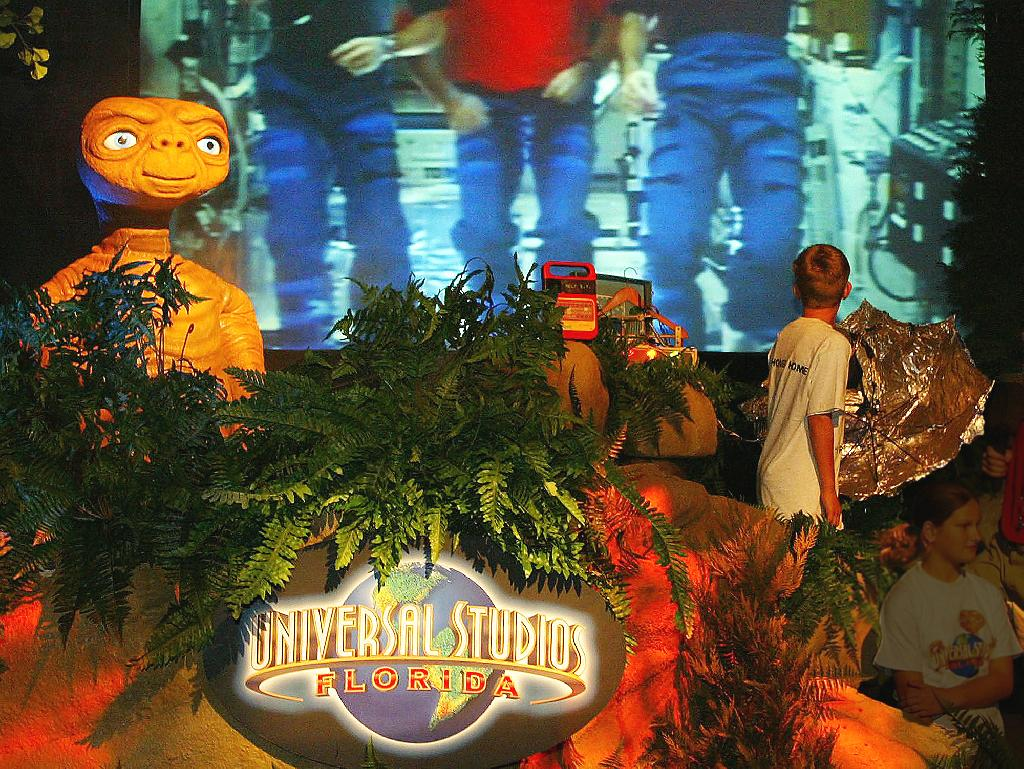 11-Year-Old Boy's Foot Crushed on Universal Studios' E.T. Ride: Lawsuit