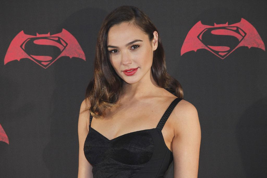 JERUSALEM (AP) — Wonder Woman star Gal Gadot has come to the rescue of a fellow Israeli celebrity in a spat with Prime Minister Benjamin Netanyahu.