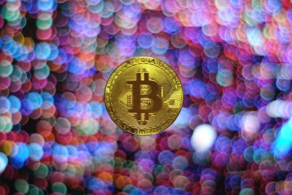 ? Whether you?re new to the space or you?ve been building your cryptocurrency portfolio for a while, it?s always crucial to keep up-to-date with the latest insights and market movements. The cryptocurrency market is one rife with volatility, risk, and vulnerabilities. Most of all, it?s a market that?s always changing. Having a full understanding of the market and different currencies will help you to stay ahead of bull runs, keep warm in bear markets, and to know whether it?s time to HODL or not. Below, we?ve outlined some definitive guides that make for essential reading for anyone who wants to build up their portfolio. They?re also suitable for readers who are on the lookout for deeper insights. ? 1. A The post Building your cryptocurrency portfolio? Here?s five must read guides! appeared first on Coin Rivet.