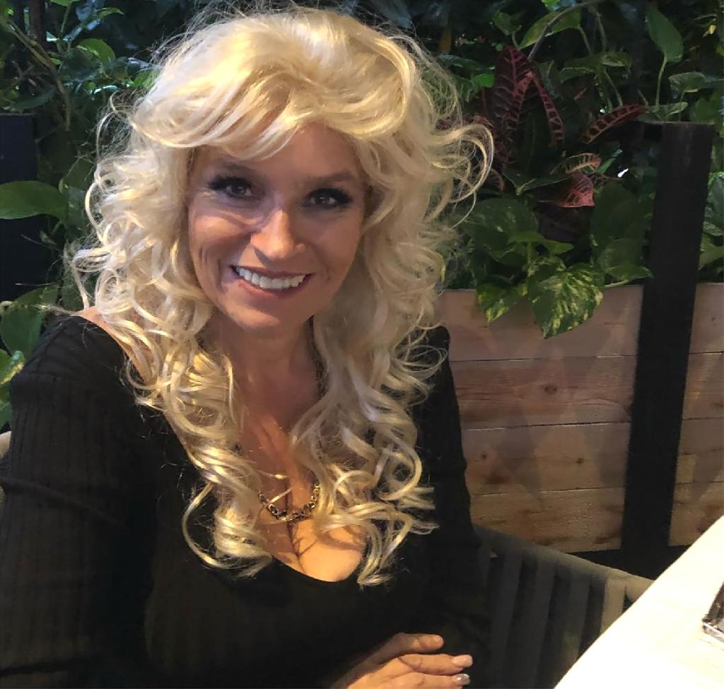 Beth Chapman Shows Off Bright Smile Week After Hospitalization