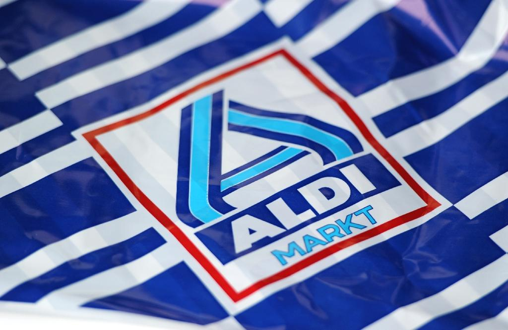 Supermarket giant Aldi said Tuesday it is replacing free plastic produce bags in its German stores for ones made from recyclable material -- sold for a 'symbolic' single cent -- to go more green.  'From summer of 2019, bags made from a renewable raw material will be available for one cent in all branches,' Aldi said in a statement.  'The advantage of the bag is that no crude oil is used in production,' replaced with a by-product of sugar cane manufacturing, Aldi added.
