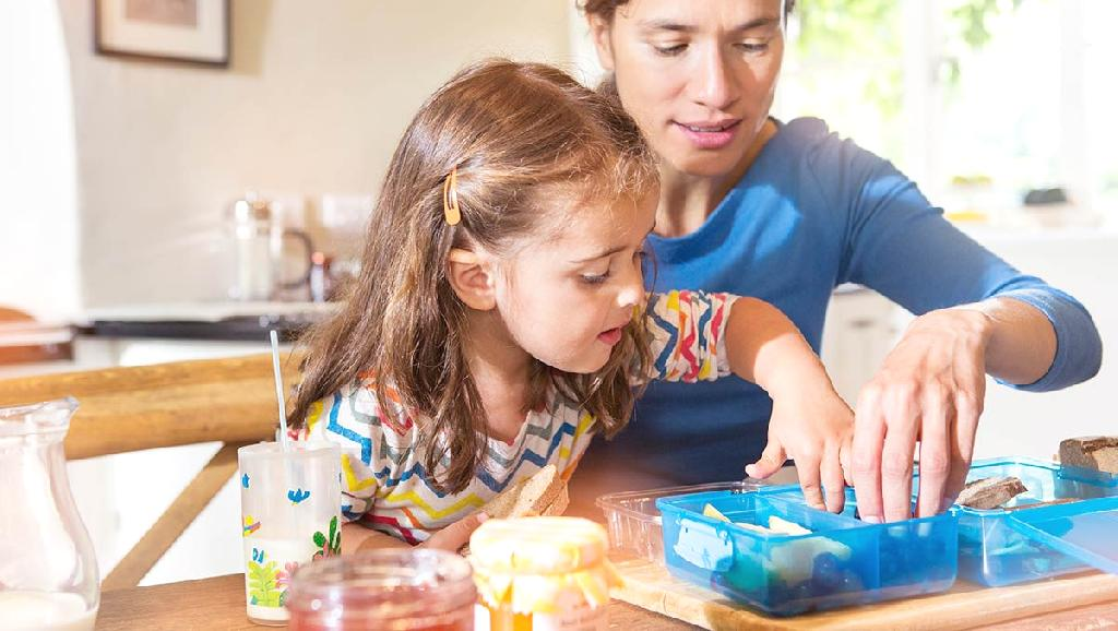 If your school-age child has food allergies, you know that preparing safe lunches that are also enticing can be a challenge. That's why we created this menu of lunchroom suggestions that addresse...