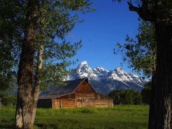 photo_big_mormon-row-barns-in-grand-teton.jpg